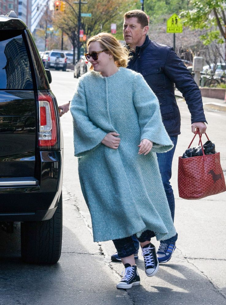 Adele Photos: Adele Goes out in New York
