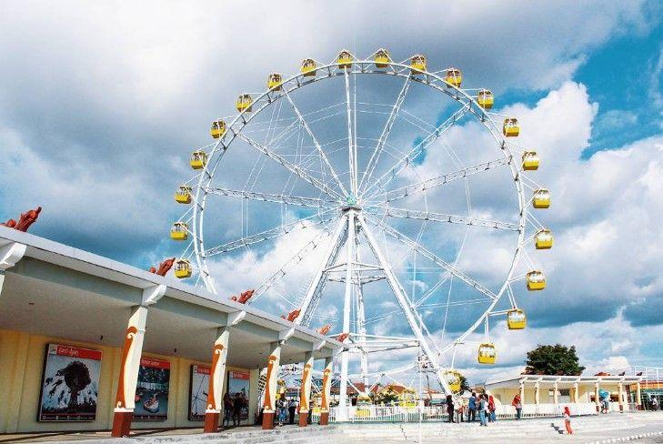 Ferris Wheel atau Kincir Ria di Sindu Kusuma Edupark Jogja