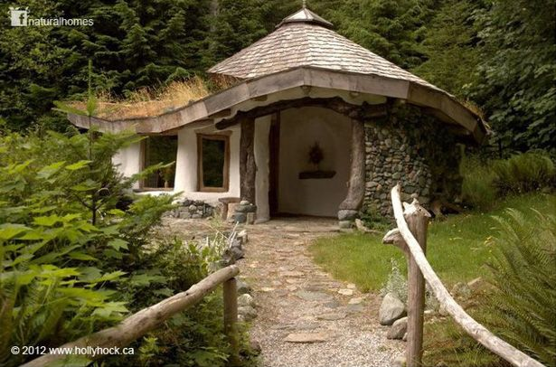 This cob home is from the natural homes collection it 39 s just one of the many beautiful homes - The cob house the beauty of simplicity ...