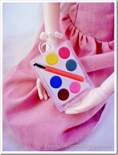 Finding Doll Props: At The Party Store? Tiny watercolor paint set