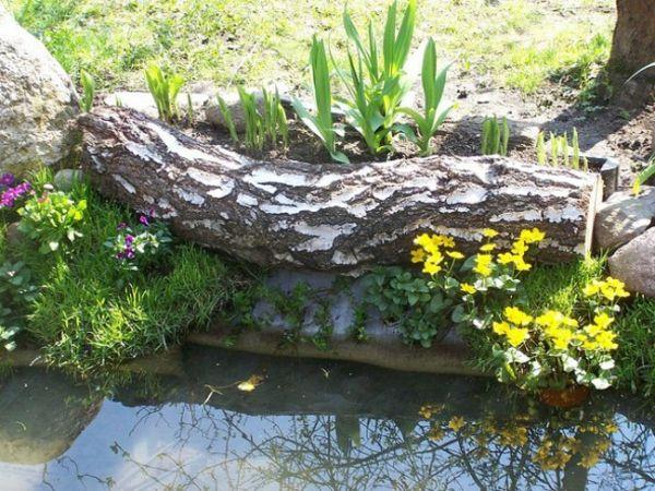 Gartendeko aus holz gro er zweig nah zu einem teich 30 for Ideen gartendeko