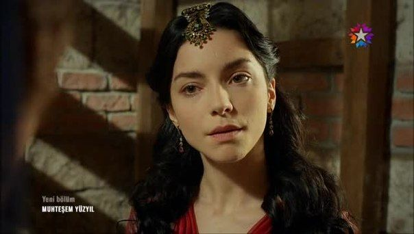 Nurbanu sultan with the most awesome hair acessories in the series... In most of the cases stolen from Hatice.