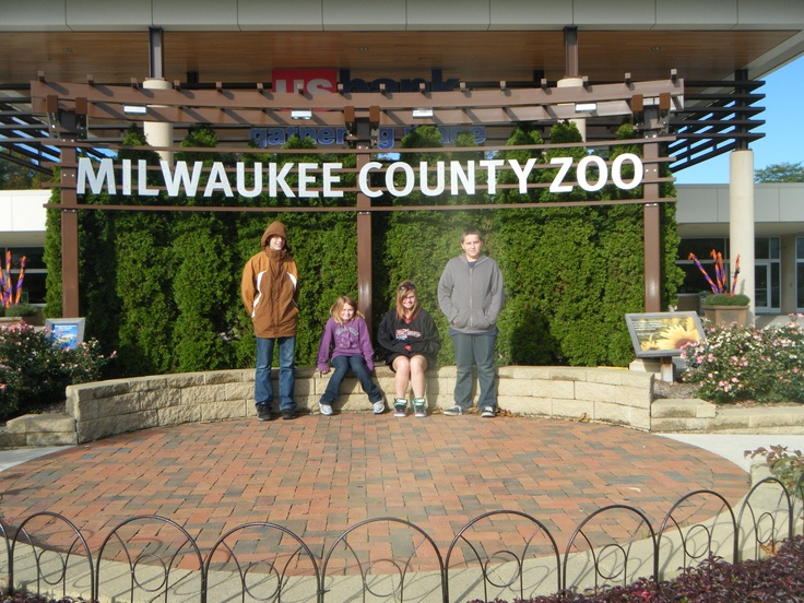 Milwaukee County Zoo--Twice! - I remember the old zoo right across the street from us at Washington Park; as kids, we spent hours there almost daily.