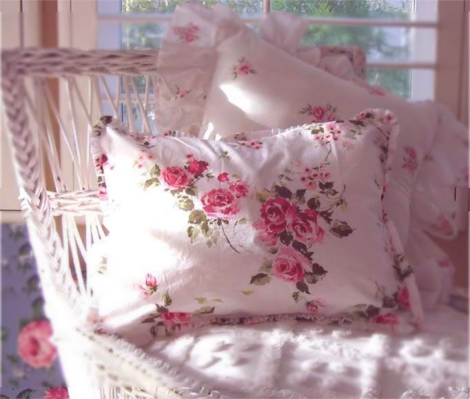 25 Best Ideas About Shabby Chic Pillows On Pinterest