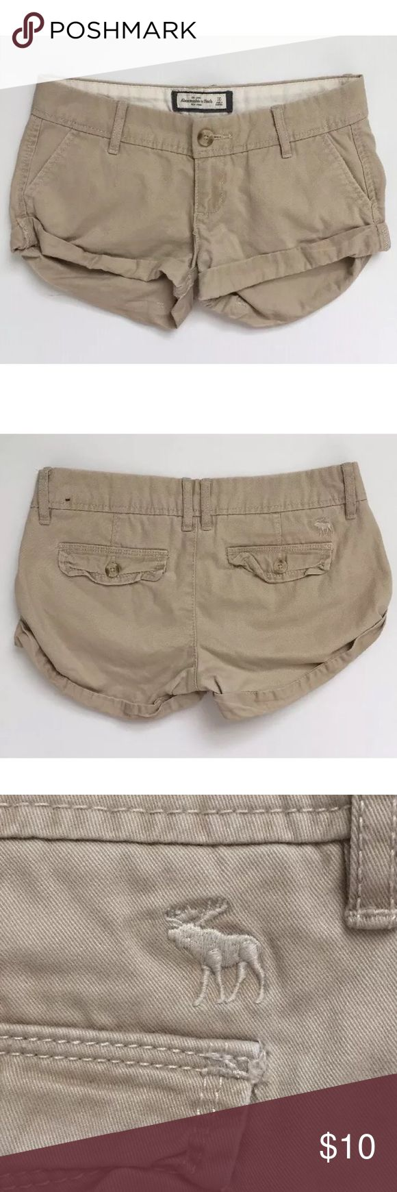 Abercrombie & Fitch Women's Khaki Shorts Size 00 These shorts are pre-owned but are in good condition with lots of life left in them!  If you have any questions please feel free to ask and be sure to check out my other A&F listings! Abercrombie & Fitch Shorts