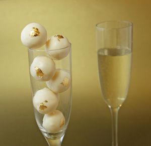 Champagne Truffles Recipe www.tablescapesbydesign.com https://www.facebook.com/pages/Tablescapes-By-Design/129811416695
