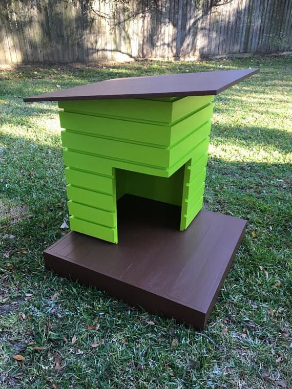 The Pad is one of several Modular Dog bed and house designs. This is one of my original outdoor house designs and this design is perfect for any size dog up to 75 - 80 lbs. The Pad has a weight capacity of 300 - 350lbs. Its designed to be an outdoor house. The Pad comes made to order and
