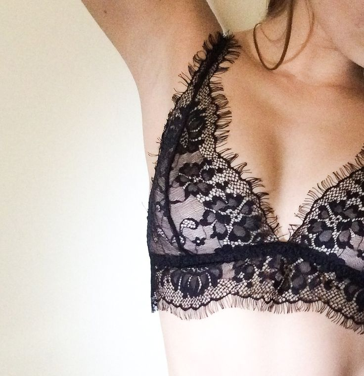 LACE BRA god save the quenn