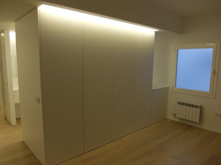 M s de 25 ideas incre bles sobre luz indirecta en - Iluminacion interior armarios ...