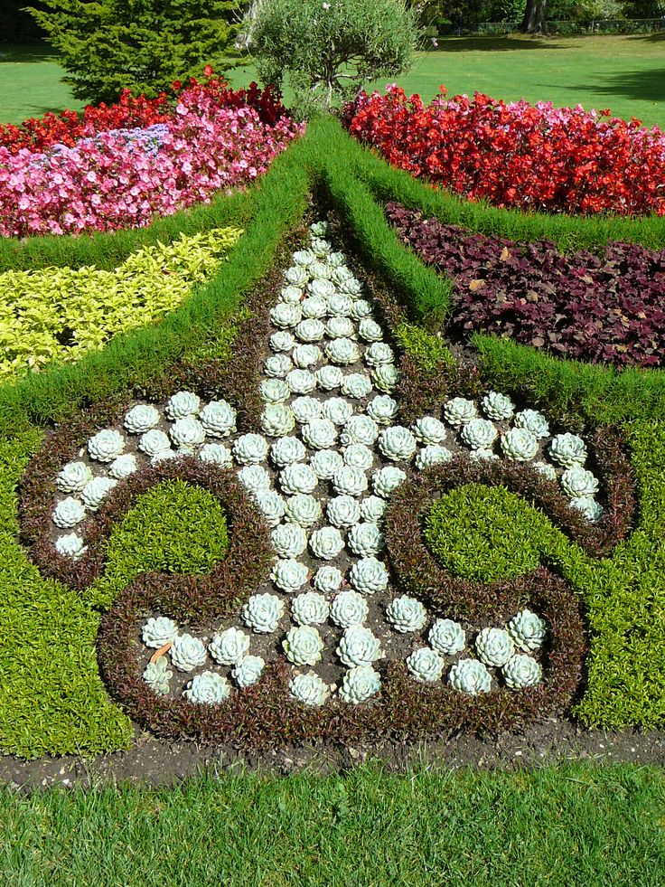 Kings garden at Versailles  | In the King's Garden, Versailles, France | Fleur Di Lis