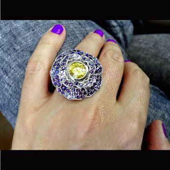 #hand #ring #RoseBrinelli #violet #jewerly
