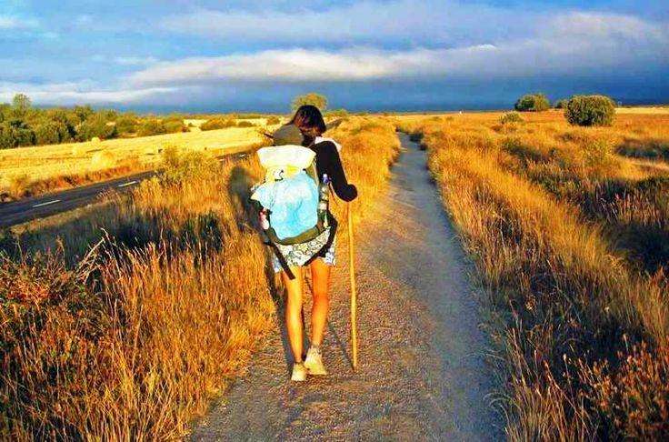 El Camino Szent Jakab út a mai út Spanyolország Galícia tartományának fővárosába, Santiago de Compostelába vezet. Itt olvashatod a mi El Camino útinaplónkat