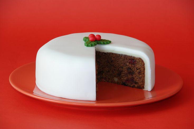 Vánoční dort se sušeným ovocem a mandlemi