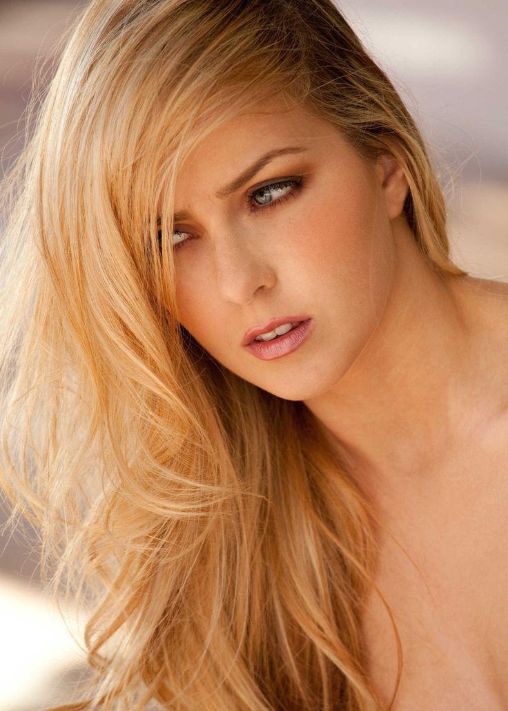 Abigaile Johnson Nude Photos 7
