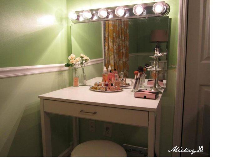 Diy vanity lights dressing room calling mrs vain for Dressing room lighting ideas