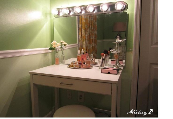 Vanity With Lights Diy : DIY vanity & lights dressing room Calling Mrs. Vain... Pinterest Dressing, Vanities and Lights