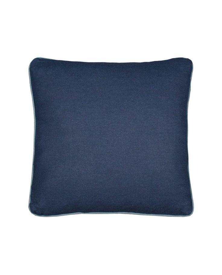 Cojín Mirlo en tono azul marino y con borde azul para el sofá o la cama a un precio muy barato. Combina colores, tamaños y texturas a tu gusto. Envío en 24/48 horas