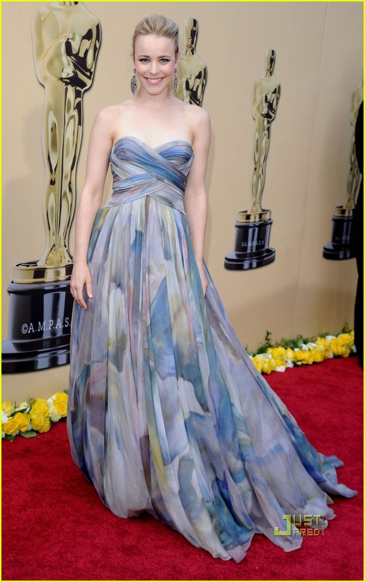 Rachel McAdam in this Elie Saab Haute Couture gown.