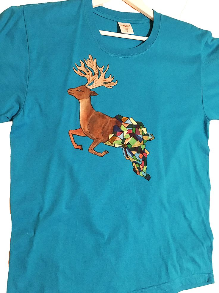 Handmade T-shirt Deer painted manually   This T-shirt is suitable for all men and women, the material is 100% cotton and it's painted manual with quality and non toxic paint, which is also permanent. You can wash it in the washing machine or manually at 30 Celsius degrees.