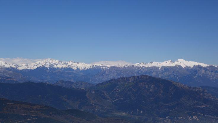 Macizos de Posets y Cotiella, Punta Lierga (2267 metros), Peña Montañesa (2291 metros) y Nabaín (1796 metros)