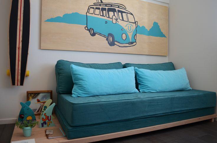 Onda canchera surfera para un dormitorio de adolescente.