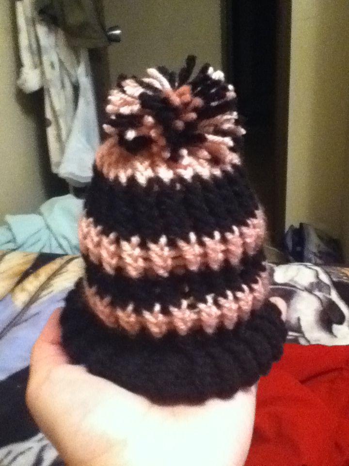 knitting loom - baby toque
