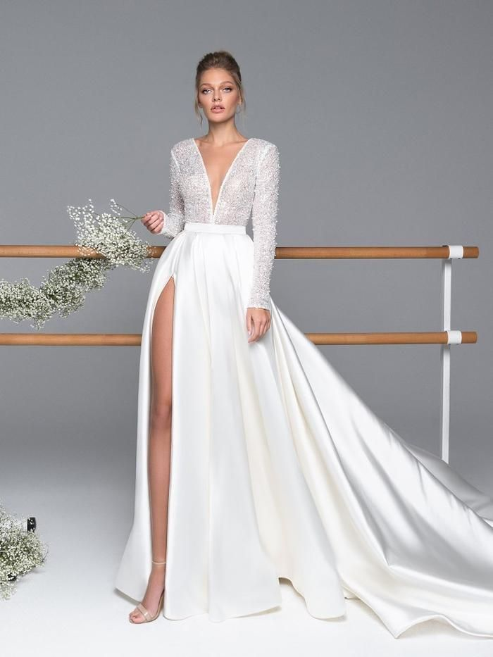 V-Neck Flooring-Size A-Line Lengthy Sleeves Corridor Wedding ceremony Gown