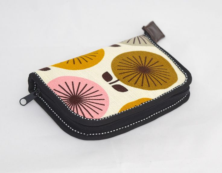 Today's pouch (or case) is a really simple one, and I'm including it for two reasons. One, its edges are bound externally so, like this e...