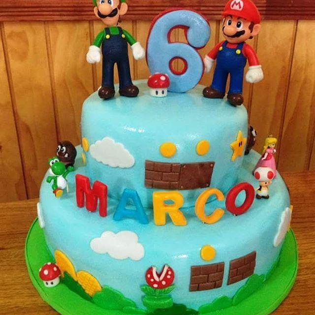 #MarioBros #Luigi #Fondant #cake by Volován Productos #instacake #puq #Chile #VolovanProductos #Cakes #Cakestagram #SweetCake