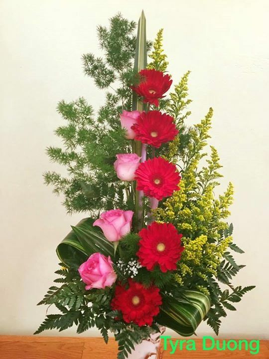 My favourite arrangements pink roses and red gerbera - designed by:TyraD.