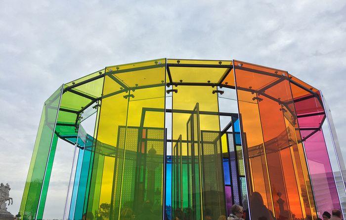 Cercle chromatique en 3D - 350 ans Saint Gobain
