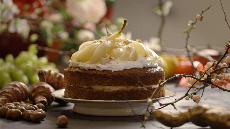 Aardperentaart met hazelnootroom en peren uit de aflevering 'Muzikaal eten' #KMVB #kokenmetvanboven #nagerechten #taart #aardpeer