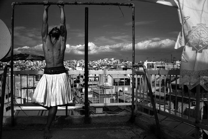 photo © Predrag Pajdic, 2011 #athensstreet #tsolias #goddessofthehunt