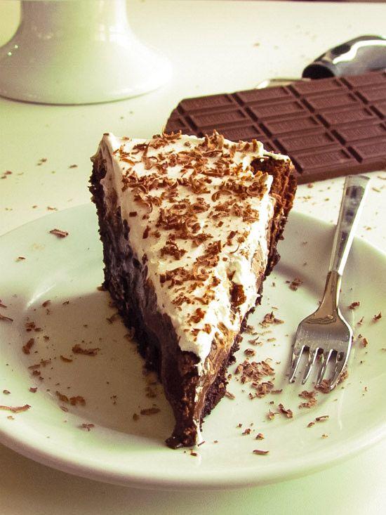 Torta de chocolate com brigadeiro cremoso | cozinhalegal.com.br