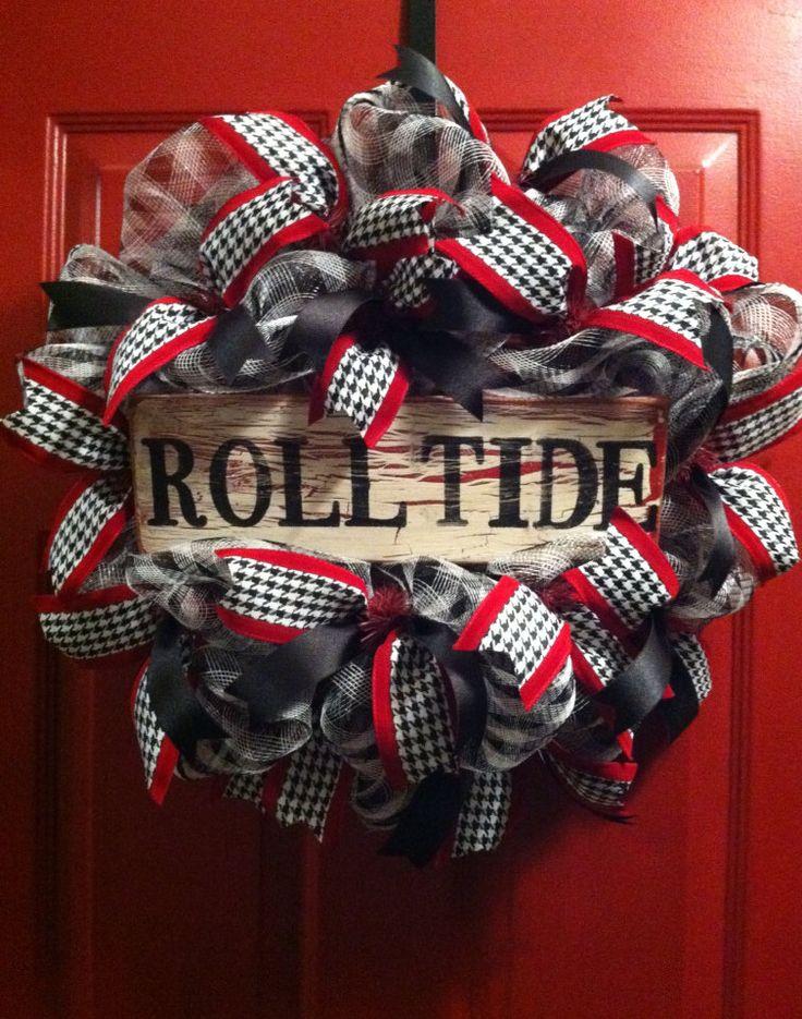 Alabama Football Houndstooth Wreath Alabama by PollysPinkTurtle, $58.00