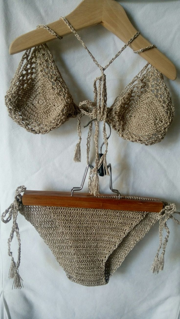 Mini gold bikini 👙
