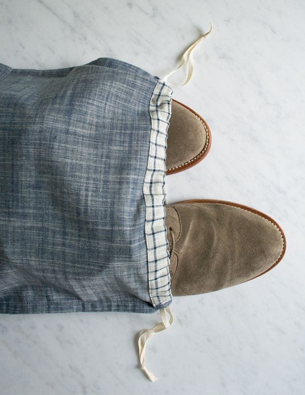 DIY: drawstring shoe bags