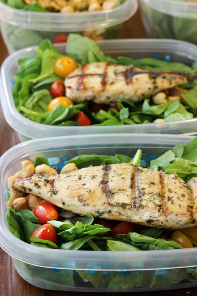 7 Healthy Meal Prep Ideas You Won't Get Bored Of: Lemon-Lime Cilantro Chicken On Spinach Salad With Tomatoes & Cashews. For more ideas, click the picture or visit www.sofeminine.co.uk