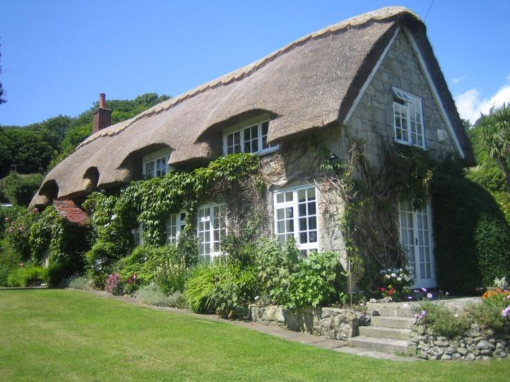 Les 696 meilleures images du tableau maisons divers - Cottage anglais connecticut blansfield ...