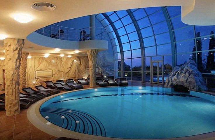 5 doomsday bunkers around the world luxury doomsday for Garden pool doomsday preppers