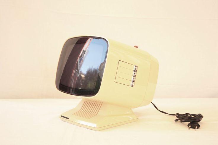 1974 Radiomarelli RV-660-B -- Brionvega / Weltron / Space age