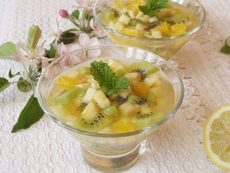 Egy utolsó nagy vitaminbomba otthon található és trópusi gyümölcsökből a nagy eperszezon előtt.