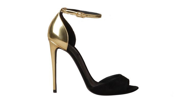 Dolce Gabbana http://www.vogue.fr/mode/shopping/diaporama/shopping-sandales-red-carpet-pour-le-festival-de-cannes-2014/18677/image/999143#!dolce-gabbana-sandales-red-carpet-pour-le-festival-de-cannes
