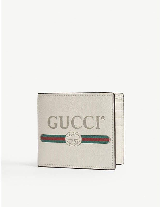 41d73b85c2d Gucci Logo grained leather billfold wallet