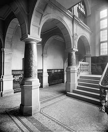 BL13718 The small staircase in Sheffield Town Hall - photo by Bedford Lemere