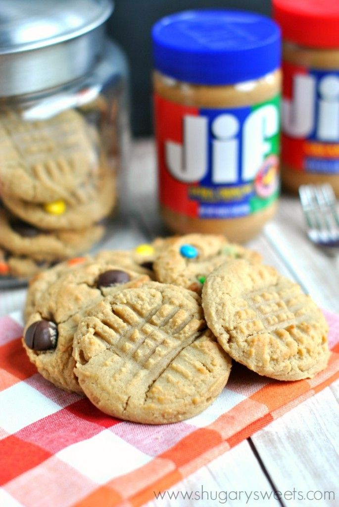Perfect Peanut Butter Cookies: chewy delicious PB cookies, complete with your favorite mix-ins (chocolate, reese's, m&m)