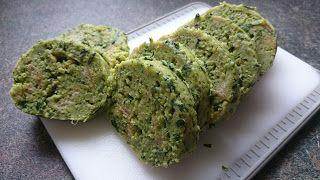 Bärlauchknödel oder Bärlauchtaler mit gebräunter Butter und Parmesandie Rolle kann nun in ca 1 cm dicke Scheiben geschnitten werden und