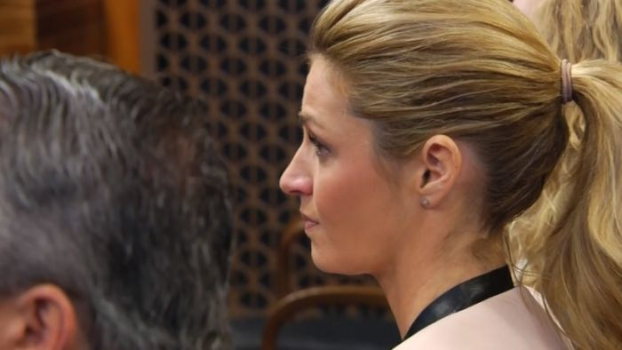 Erin Andrews' father testifies that she...: Erin Andrews' father testifies that she 'doesn't trust anymore' since nude photo… #ErinAndrews