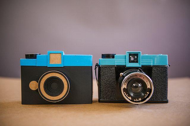 Pinhole F la cámara estenopeica de formato medio estilo Diana F de lomography