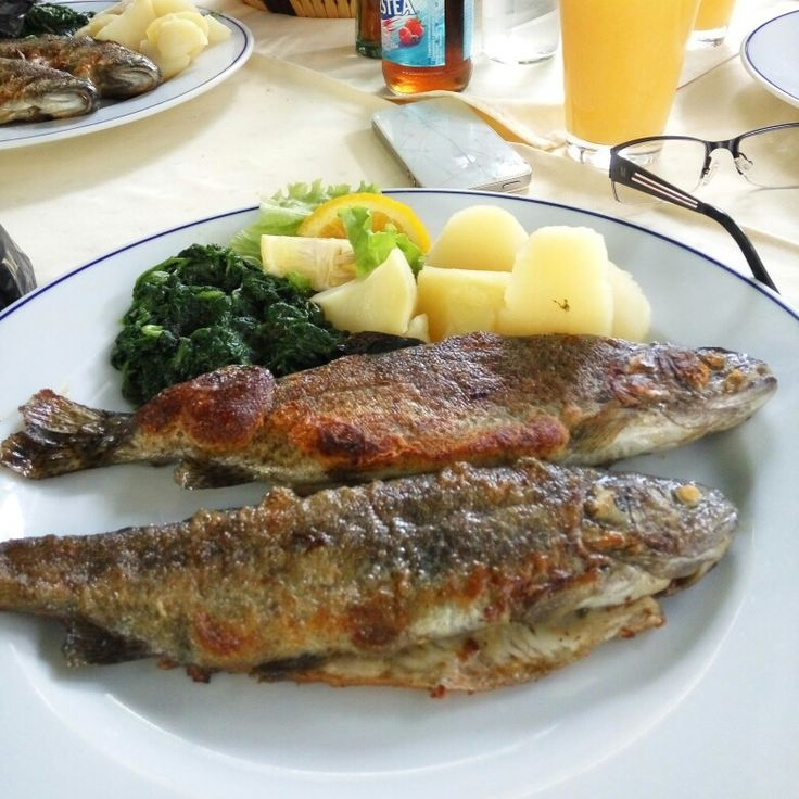 Trout with potato spinas